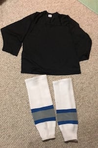 Hockey practice jersey and socks
