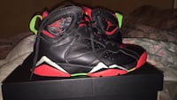 black-red-white air jordan 7 on box Lantana, 33462