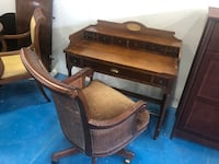Antique Desk and chair Pointe-Claire, H9R 5C7