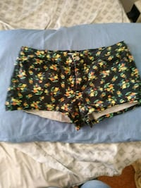 black and yellow floral shorts Erie, 16503
