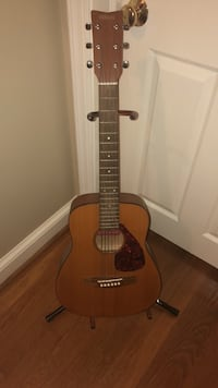 Yamaha FG-Junior JR1 3/4 size guitar with stand Bethesda, 20814