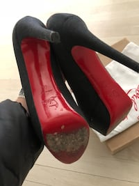 Christian Louboutin 40 Norwalk, 06851