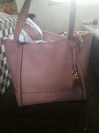 BNWT Authentic Guess purse Surrey, V3T 3G7