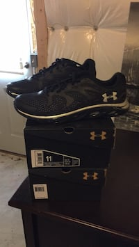 1 pair under armor golf shoes Bristow, 20136