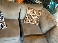 Sectional sofa + throw pillows Hamilton, L8B 0T3