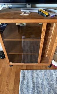 Old TV Stand (Good Condition)