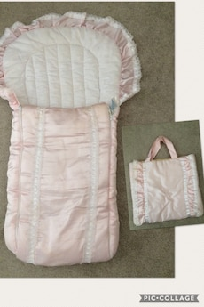 Baby girl baby nest / carrier with bag