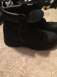 Men's timberlands Anchorage, 99504