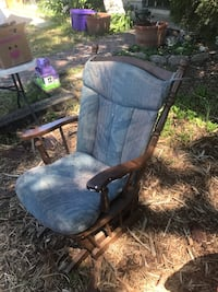 Old wooden gliding chair Los Angeles, 91326