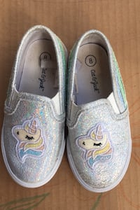 Girl's shoes sneakers Rainbow Unicorns  size 8