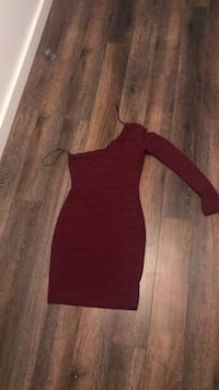 Women's red long-sleeved dress Gatineau, J8X 0B8