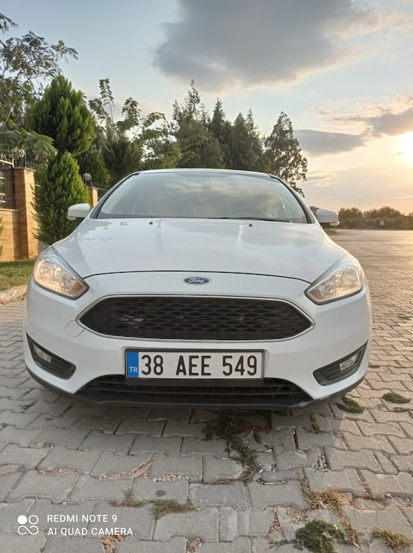 2015 Ford Focus TREND X 1.6TDCI 95PS SW 5eee3172-a187-46c7-8d17-6886391953ce