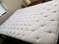 Sealy Queen size Mattress  Toronto, M4M 2R9