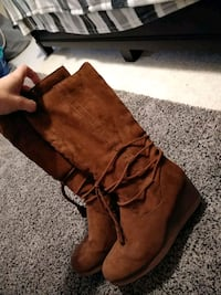 Girls boots! In good condition..size 5 Hagerstown, 21740