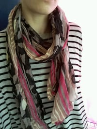 Pink and neutrals spring light scarf Kingston, K7P