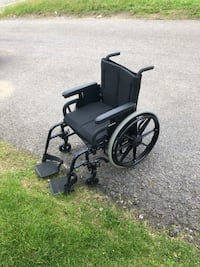 Chaise Roulante Prima Orthofab.  Wheel Chair Laval, H7T 2W2
