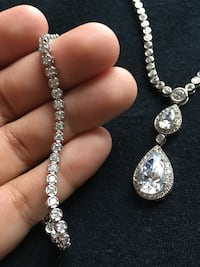 REAL Sterling silver necklace with zirconia crystals and matching bracelet and earings. Orlando, 32832