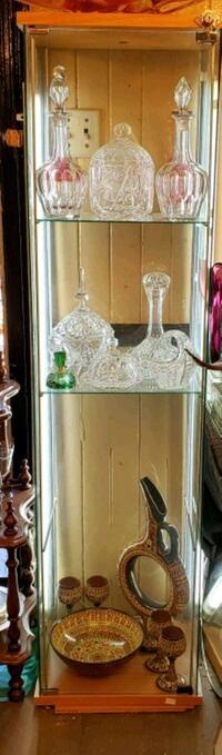 Glass Display Cabinet Montreal, H9H 1C4