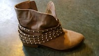 Short boots size 8.5 Frederick, 21703