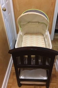 Wooden Bassinet + changing pad
