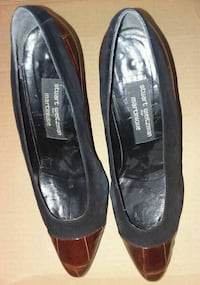 Stuart Weitzman Brown leather shoes Chicago, 60601