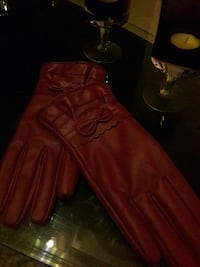 Woman dark red gloves NEW !!  Vårby, 143 31
