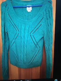 American eagle outfitters blue green top sweater sz medium New York, 10128