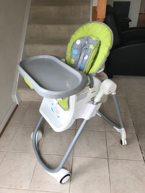Fisher price 4 in 1 Total Clean High Chair