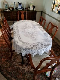 Solid wood dining room table and chairs Stafford, 22554