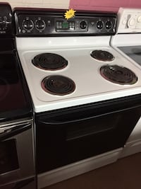 GE black and white electric coil range stove  Woodbridge, 22191
