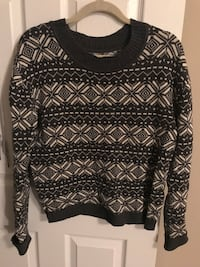Black and white aztec crew-neck sweater 伦敦, N6G 1G5