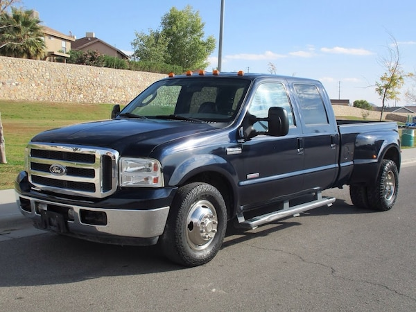2005 FORD F350 CREW CAB DIESEL DUALLY W/ GOOSE NECK HITCH! REDUCED!