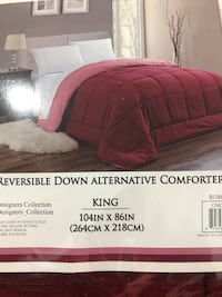 BNWT reversible down alternative comforter
