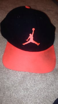 black and red Air Jordan fitted cap Highlands, V9B