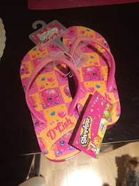 Pair of yellow and pink shopkins flip flops Vienna, 22182