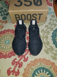 Yeezy breds size 10 Centreville, 20120