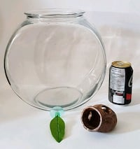 2 Gallon Fish Bowl Beta Leaf Fish House Montréal, H8P 3A6