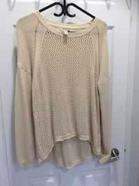 Forever 21 size large , crochet beautiful loose comfortable top. Toronto, M8W 4W3
