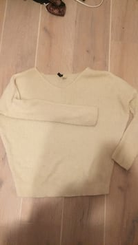 white Nike crew-neck shirt 2276 mi
