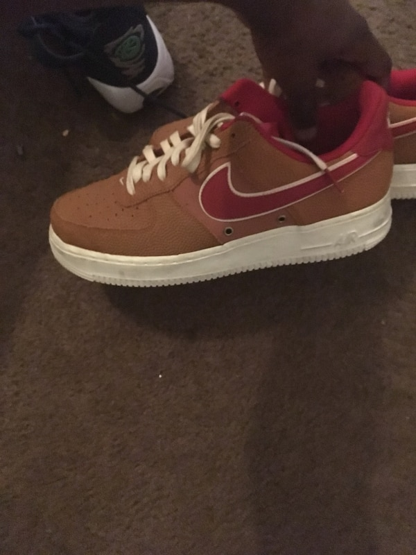 626e7fcbf66 Used unpaired red and white Nike Air Force 1 low for sale in ...