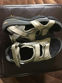 Gray and white GOLF sandals Ancaster, L9G 1Z3