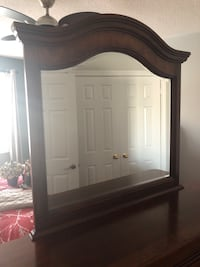 Brown wooden dresser with mirror Vaughan, L4H 0R8