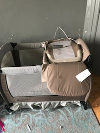 baby's black and white travel cot Clifton
