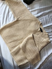 Knit Forever 21 sweater  Toronto, M1W