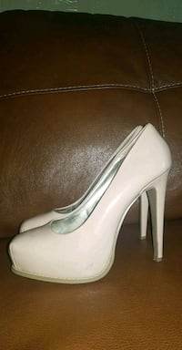Simply vera vera wang size 7m heels  West Richland, 99353