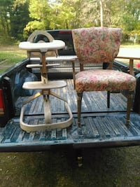 Old wood high chair..and nice old chair 517 mi