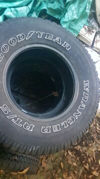 15 inch Goodyear wrangler tires West Vancouver, V7P 3T1