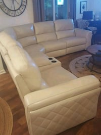 6 piece leather power sectional La Plata, 20646