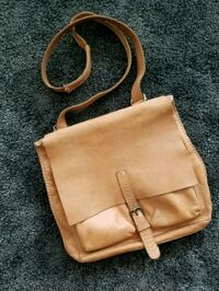 Roots brown leather 2-way bag Vancouver, V6Z 3G5
