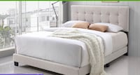 white and gray bed set Los Angeles, 90045